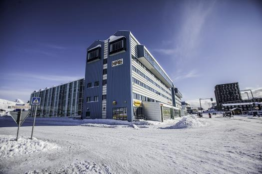 how to get to nuuk from us